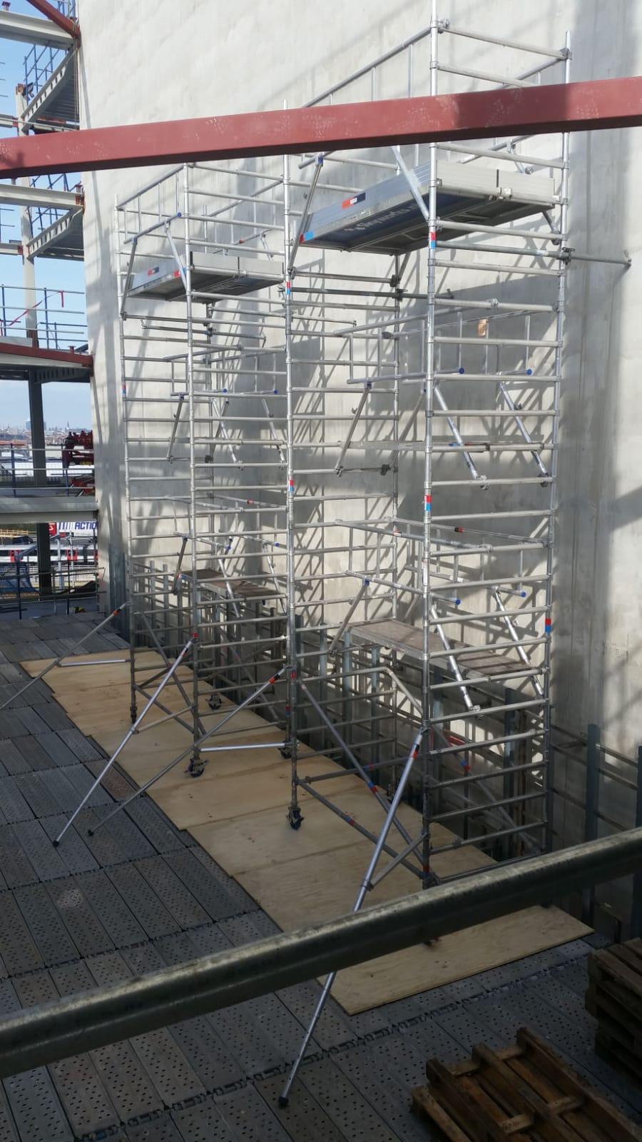 Rolsteigers voor installatie verticale tuin nieuwbouw EMA