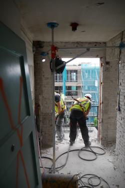 Mobiel ankerpunt valbeveiliging los hakken balkon